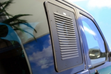 Ventilatierooster schuifraam passagierszijde voor VW T5 / T6 VanEssa mobilcamping